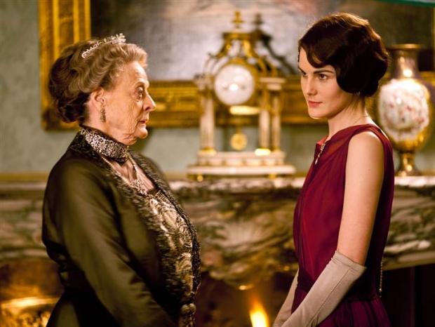Michelle Dockery contracena com Maggie Smith em 'Downton Abbey' (Foto: Reprodução/ITV)