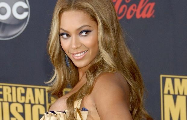 Beyoncé no AMA 2007. (Reprodução)