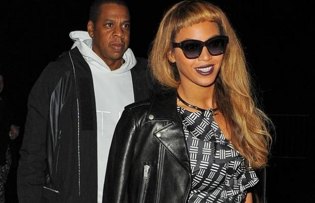 Beyoncé e Jay Z visitam Regent's Park, em Londres (Foto: Splash News)