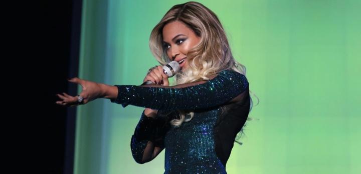 Beyoncé se apresenta no BRIT Awards 2014 (Foto: Reprodução)