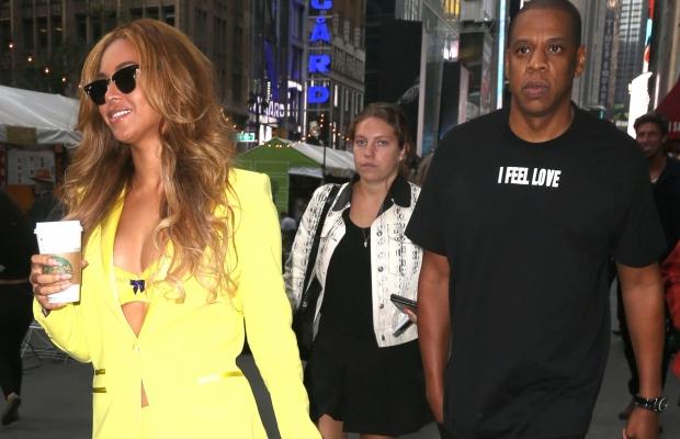 Beyoncé e Jay Z foram fotografados mais uma vez deixando o escritório da cantora (Foto: Reprodução)