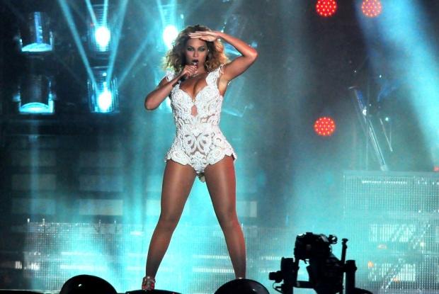 Beyoncé se apresentando no Rock in Rio em 2013 (Foto: Roberto Teixeira / EGO)