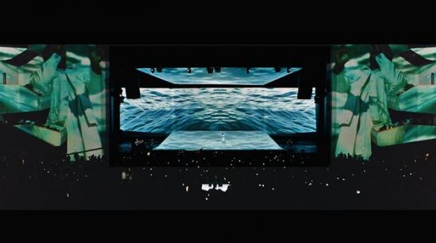 Kanye West - 'Live at Revel' (Foto: Reprodução)