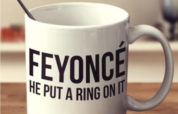 Caneca 'Feyoncé' usa letra de canção da Beyoncé (Foto: Reprodução)