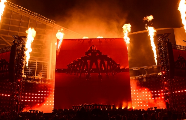 Resultado de imagem para formation tour palco