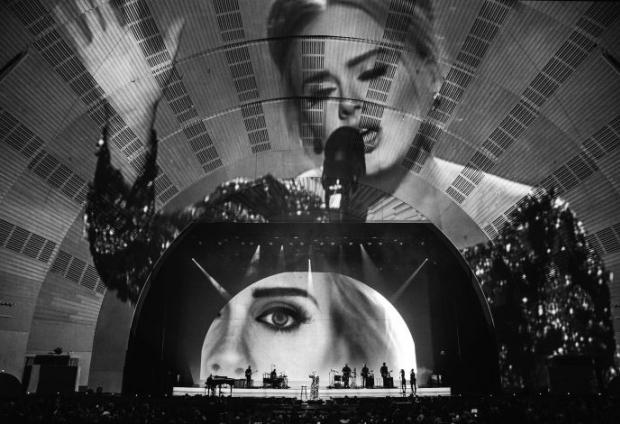 Adele - 'Live 2016' (Foto: Reprodução)