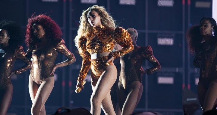Beyoncé na 'Formation World Tour' em Dallas (Foto: Divulgação)