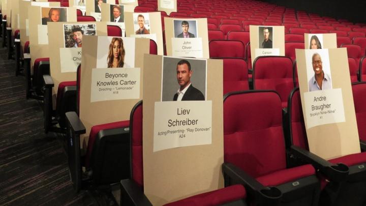 Assento de Beyoncé reservado para o Emmy Awards 2016 (Foto: Reprodução)