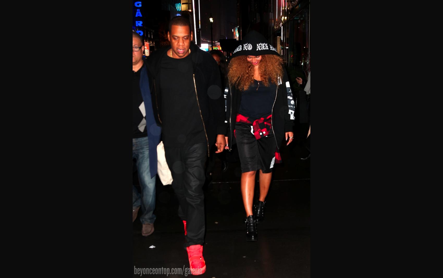 Beyoncé e Jay Z foram vistos saindo do escritório da cantora
