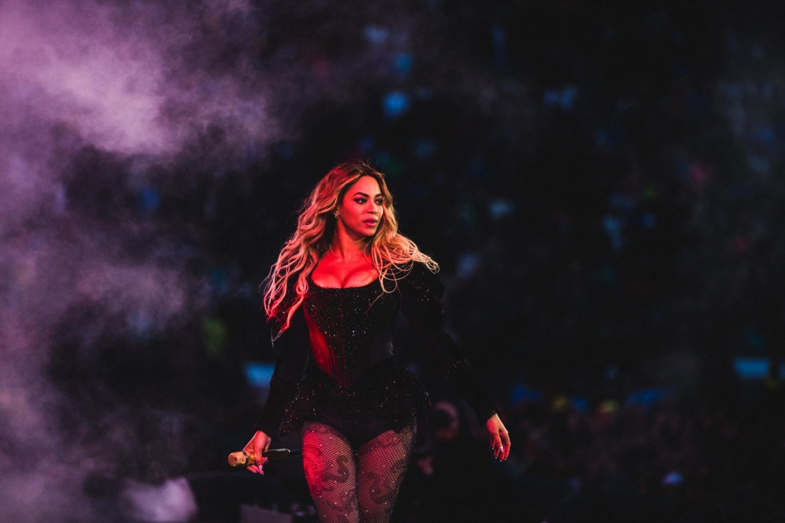 Beyoncé se apresenta em Edmonton com a 'Formation World Tour'